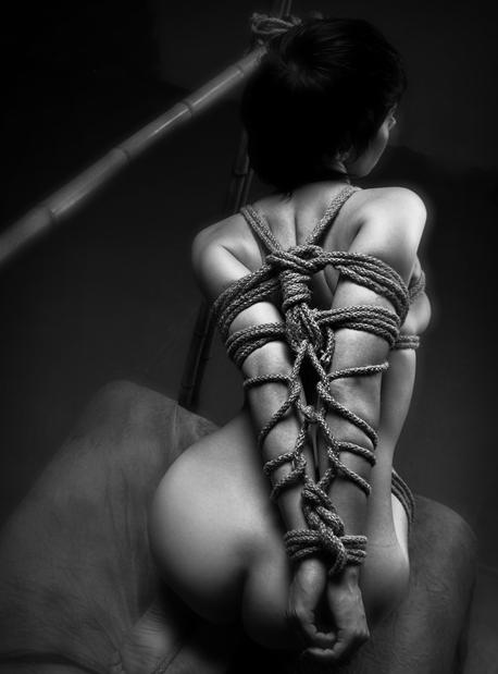 fotogalereya-nyu-erotika-bdsm